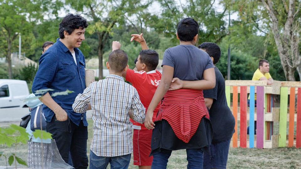 Felipe Arturo et un groupe de jeunes