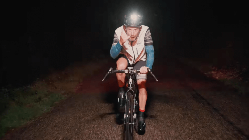 Daniel Bernard dans la montée du Grand Colombier / Challenge BB2R